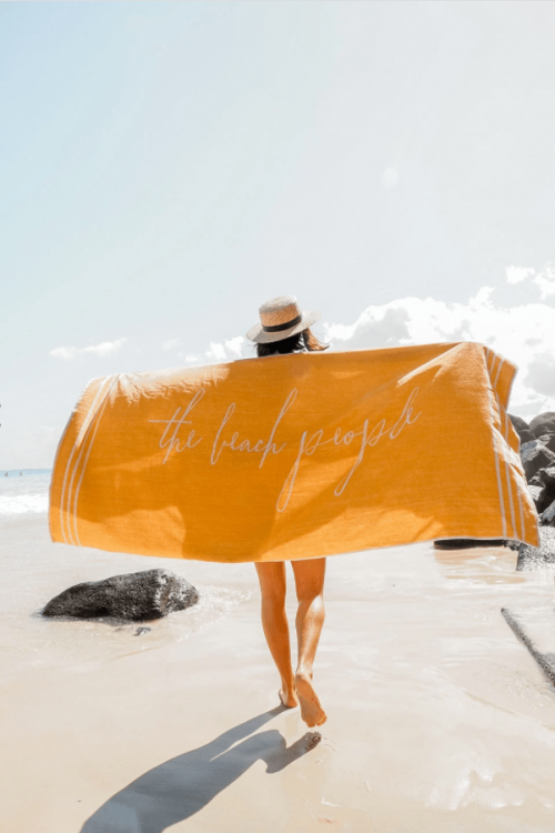 THE-BEACH-PEOPLE-SIGNATURE-TOWEL-TUSCAN-YELLOW